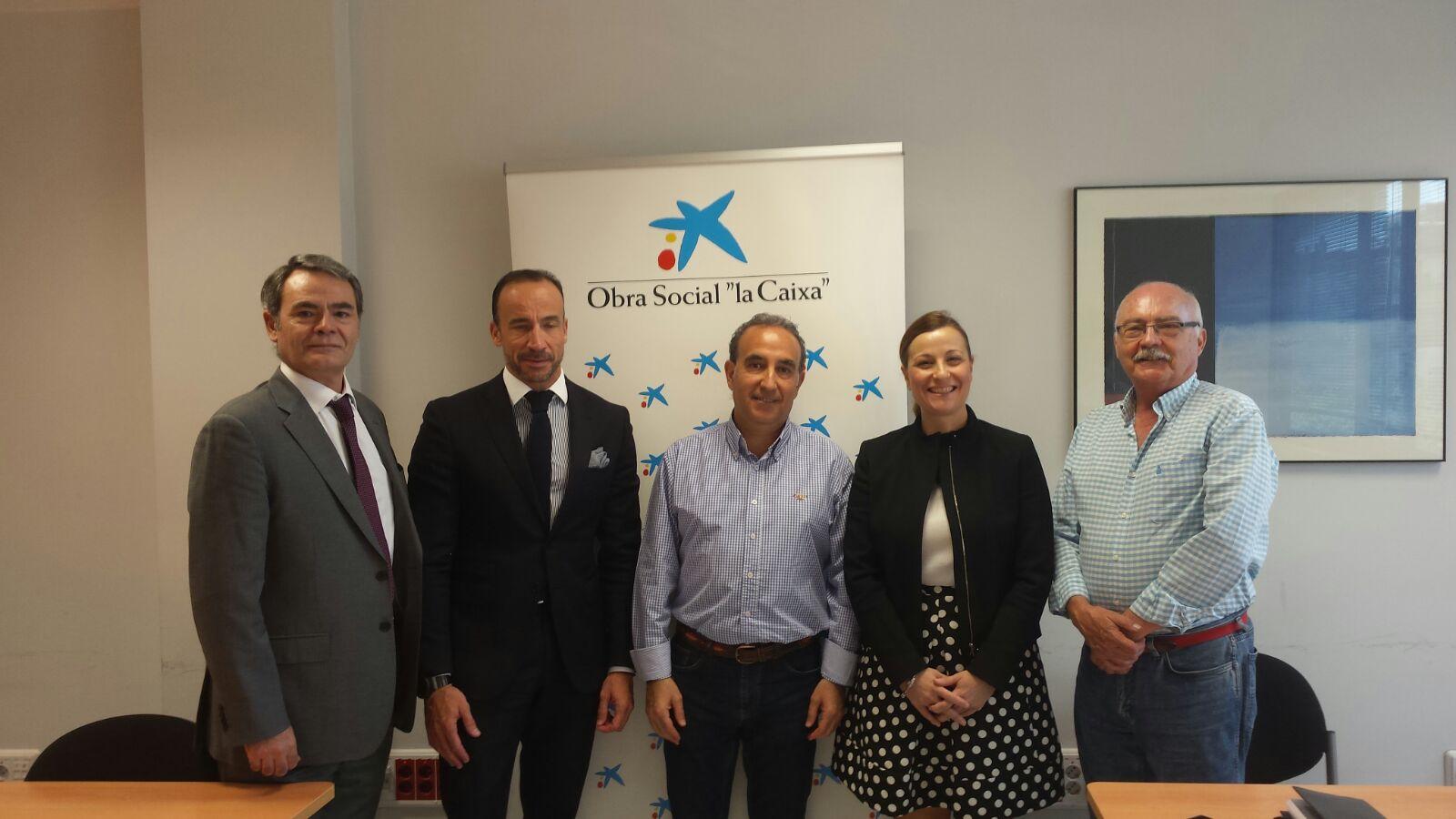 La Caixa lidera el patrocinio de un vehículo para el transporte de usuarios de Aspace Jaén