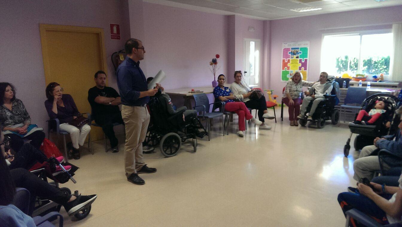 Familias de Aspace Jaén conocen la atención sanitaria bucodental