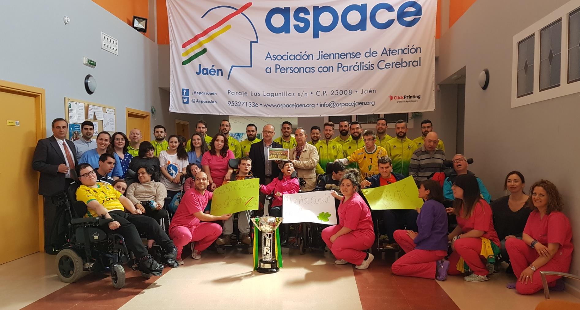 El Jaén Paraíso Interior FS realiza una visita a Aspace Jaén