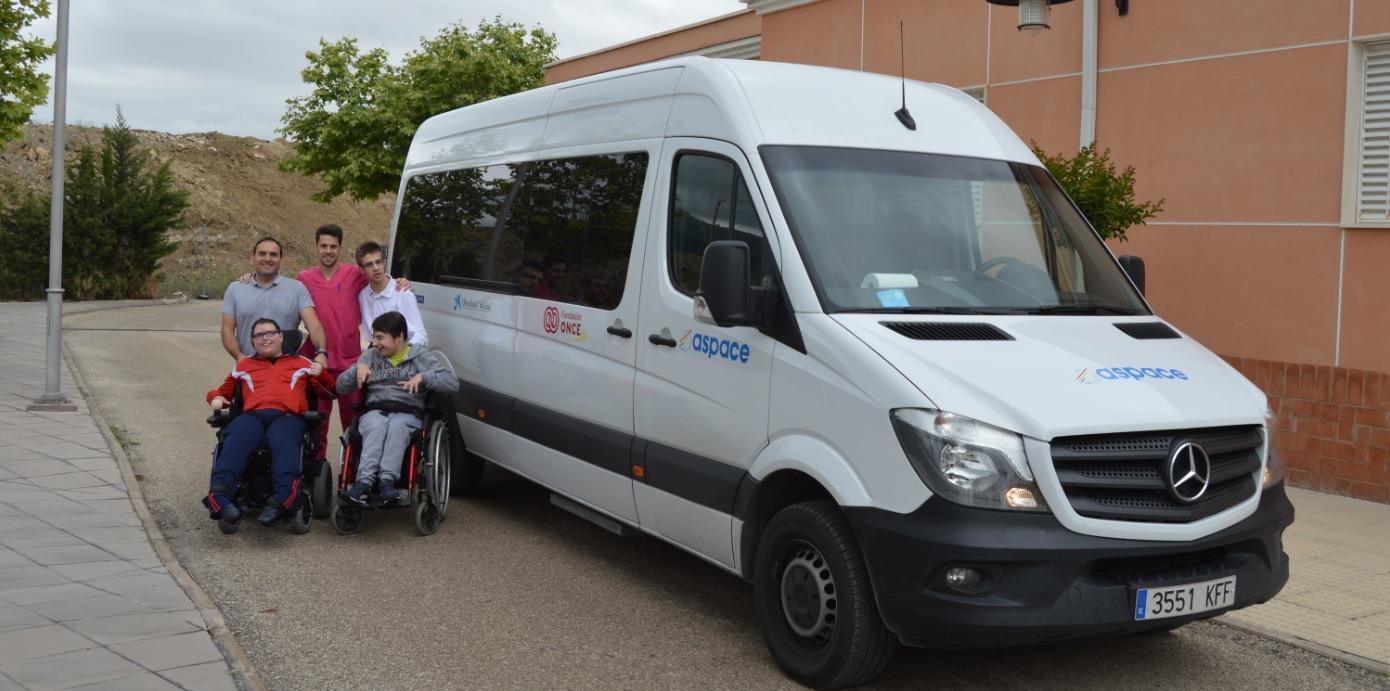 Fundación ONCE ayuda a Aspace Jaén con un vehículo adaptado