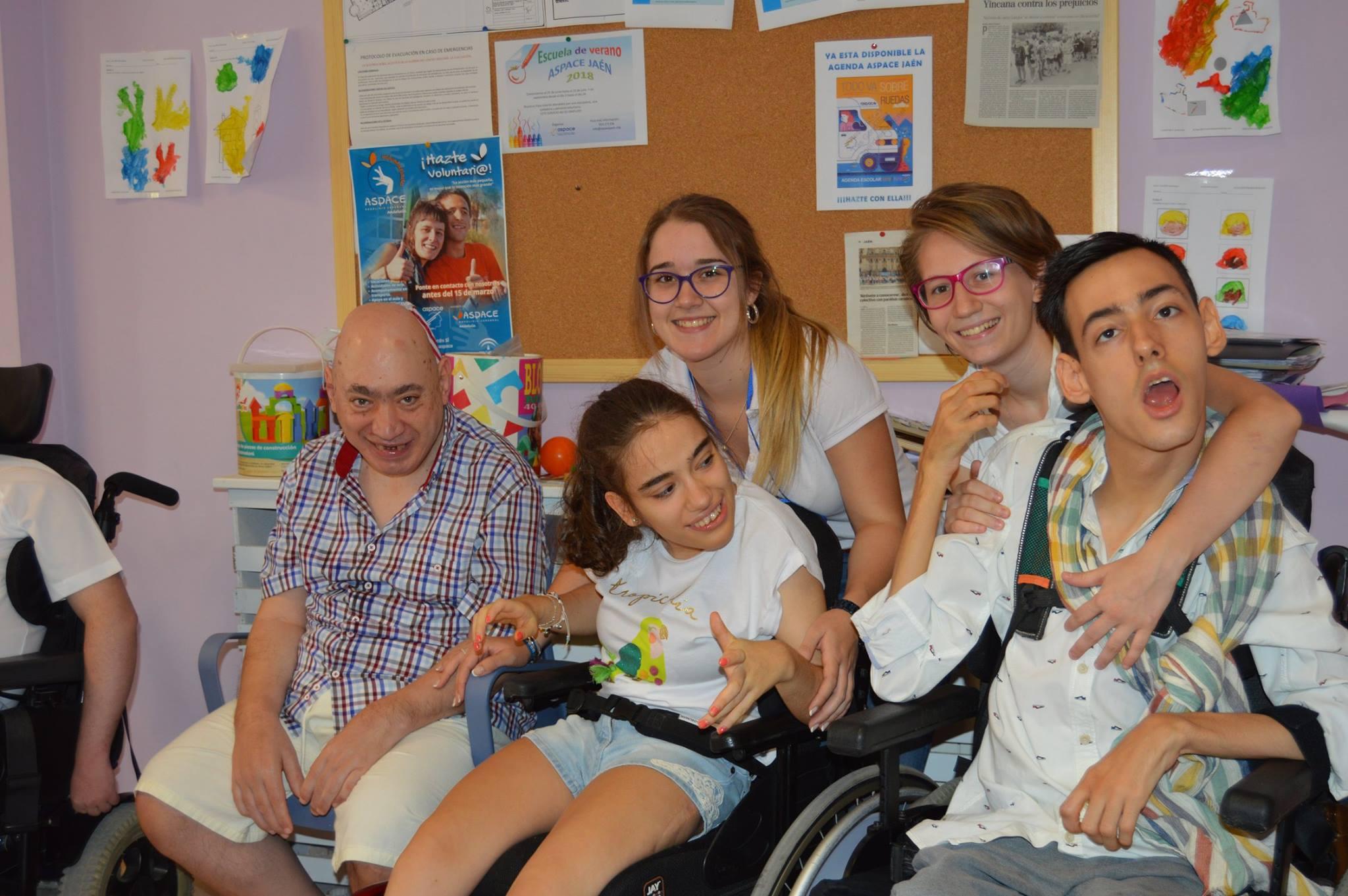 Elena Moreno (voluntaria): «Mi experiencia en la Escuela de Verano ha sido maravillosa»