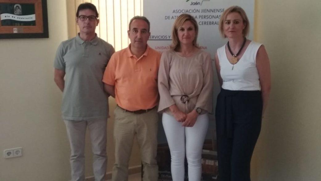 La delegada Territorial de Salud y Familias, Trinidad Rus realiza una visita a Aspace Jaén