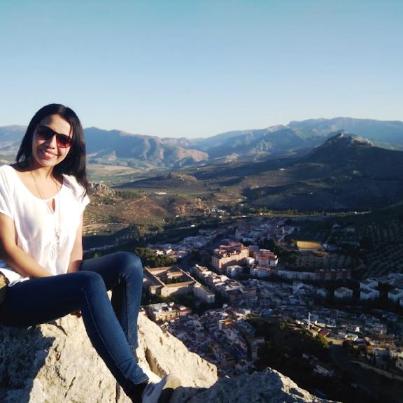 Amanda Mancilla: «Ser voluntario se ha convertido en una especie de terapia de amor y calma»