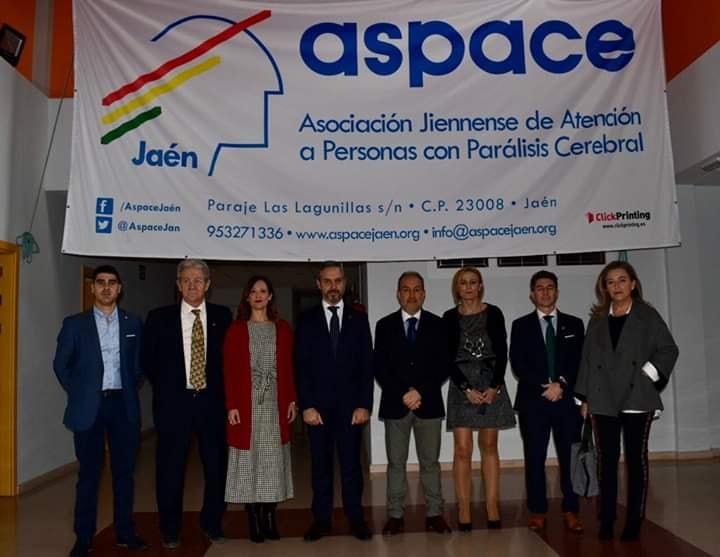 El Consejero de Hacienda, Industria y Energía, Juan Bravo visita Aspace Jaén